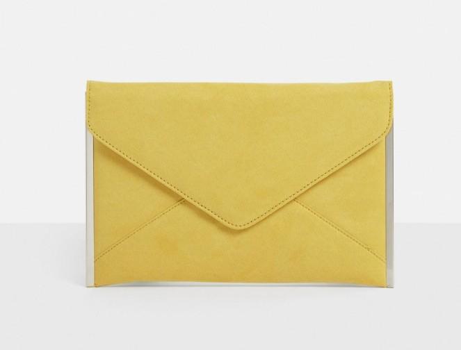 pochette-type-enveloppe-en-sudine-moutarde seule